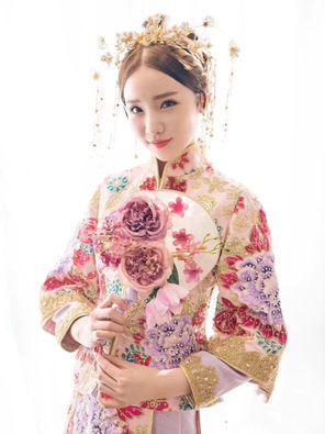 香港TOP新娘婚纱礼服:秀禾服 面议 具体咨询客服