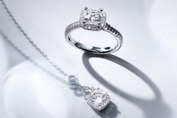 订婚戒指价格