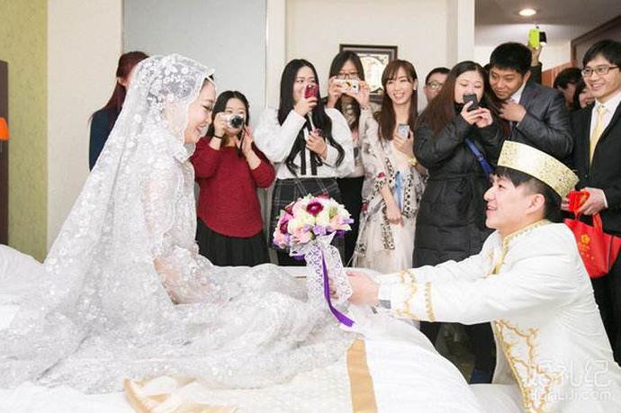 五十六个民族一家亲,中国是一个多元化的国家,不同的民族有着不同的风俗习惯,而中国虽然是提倡和鼓励和少数民族通婚,但是毕竟风俗习惯上存在差异,所以不同的民族之间通婚还是要注意一些禁忌的。