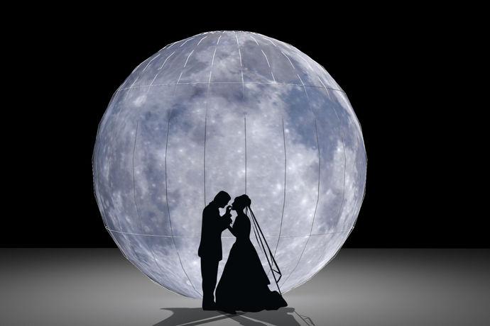 浪漫的求婚地点其实就是介绍浪漫的求婚地点,供求婚者做为求婚地点的参考,如今人们看到的求婚地点可以说是数不胜数的,其中有很浪漫的求婚地点,有的地点浪漫时尚,有的地方风景优美,有的地方带头传奇色彩,不论是时尚还是传统的,都有不同的推荐。那么男生该选择哪个求婚地点呢?