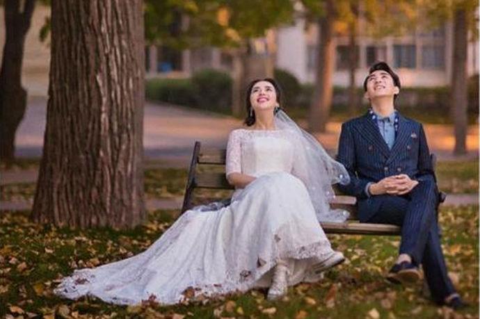 民政局上班时间表2019是指的中国的民政局工作人员上班的时间安排。新人结婚都是要到民政局的婚姻登记处去登记结婚的,那么民政局的工作人员也都是有上班时间表的,会严格的按照上班时间表来上班,为广大的新人提供结婚登记等等服务