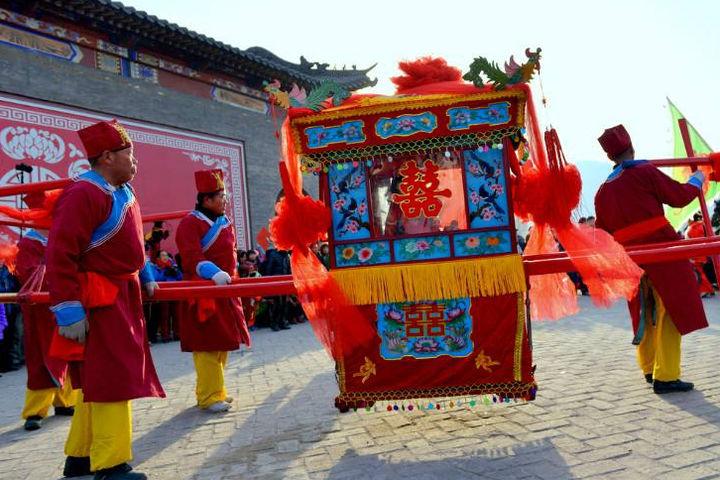 中式婚礼八抬大轿收费