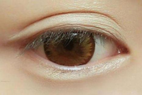 内双眼妆的画法步骤