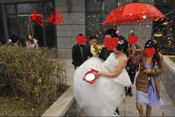 结婚堵门俏皮话