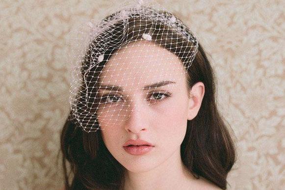 新娘菱形脸型化妆技巧