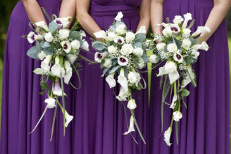 根据婚礼场地选择伴娘服
