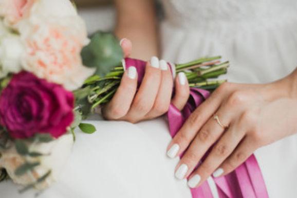 白色新娘甲