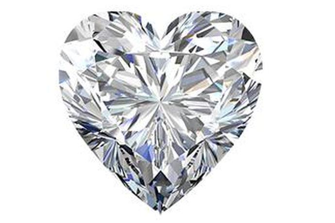 珂兰裸钻是指的珂兰品牌的没有镶嵌在钻石上面的经过切割加工打磨的单粒钻石。裸钻最重要的就是切工,切工是裸钻4C中唯一一个人力能够做到的工作,而切工的好坏会直接的影响钻石发出来的火彩效果。珂兰品牌是消费者公认的钻石品牌,它到底好在哪里呢?