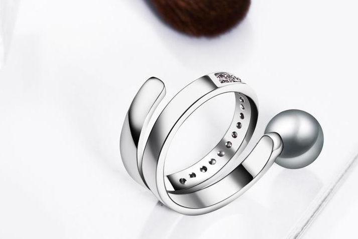 锆石戒指保养方法