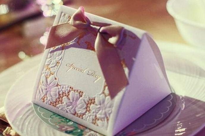 婚礼喜糖袋购买攻略是有章程有经验的向大家介绍更适合自己的婚礼喜糖袋购买方法,那么婚礼喜糖袋的搭配有什么讲究?我们又应该如何选择婚礼喜糖袋呢?让我们一起来了解一下婚礼喜糖袋购买攻略。