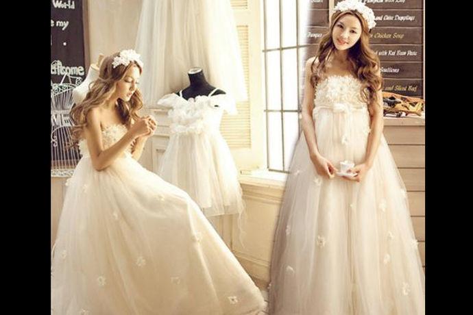 婚纱礼服定制流程指准新娘从选择婚纱礼服定制品牌、店铺、款式到最终拿到婚纱成品的过程,其中也包括一系列的定制经验以及注意事项。