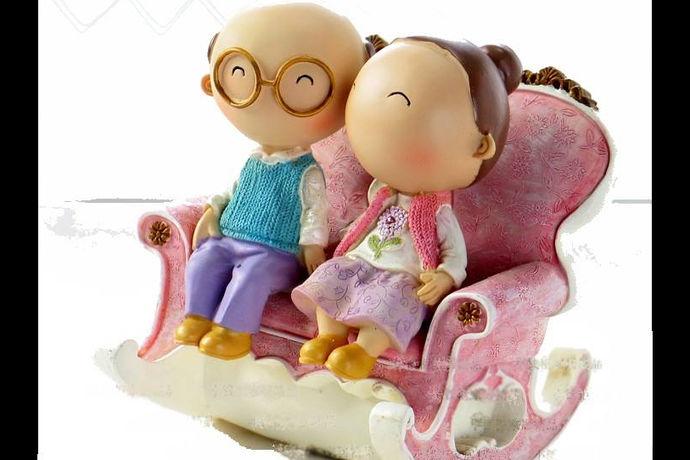 """对于夫妻来说,人生中最值得铭记的日子就是结婚纪念日了。每对夫妻都有结婚纪念日,随着婚姻时间的延续,纪念日也拥有了非同寻常的称谓,比如:50年金婚、25年银婚。而结婚十年又被称之为""""锡婚"""",是婚姻历程中的一个重要路口,用一段感人肺腑的文字去纪念锡婚,是再好不过了。"""