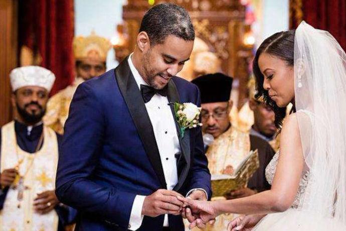 国外结婚纪念日的名称就是除中国外,其他国家针对结婚纪念日的叫法称谓。包括了美国、日本、韩国、俄罗斯、韩国等国家,要么在纪念日上互赠礼物、要么举办聚会,邀请亲朋好友参加,方式上大致相同,不过在表现形式上有所不同罢了。