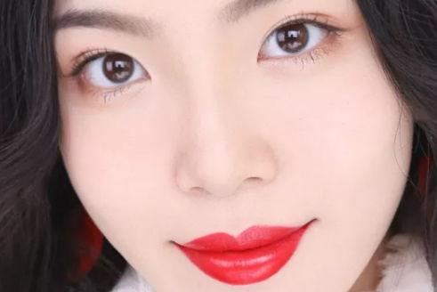 红唇妆的画法