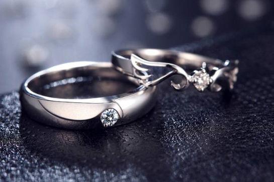 情侣钻石戒指