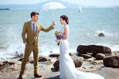 拍一套婚纱照要多少钱?
