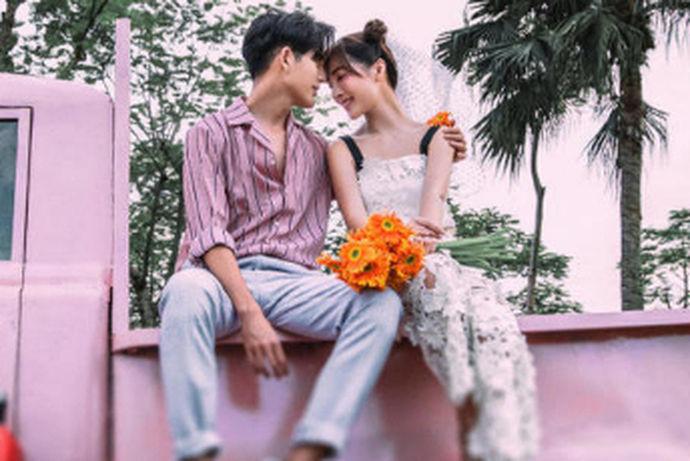 婚姻是一种责任、承诺和爱的延续。一旦你结婚了,你会发现婚姻并不像恋爱时那么浪漫,那么甜蜜,随之而来的是大量的柴火、大米、油和盐,之前的誓言,甜蜜和甜蜜显然是苍白的,随之而来的是稳定和分享,十年的婚姻是一个重要的周年纪念日,然后,你知道什么是十年的婚姻,结婚十年是什么婚姻?