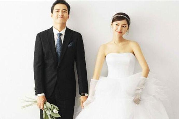 随着当今时代的飞速发展年轻的夫妻们也越来越重视婚检,对于婚检也开始有所了解了。那么没领证可以免费婚检吗?这个问题中国婚博会小编在咨询过专业人士后来告诉大家:其实在领结婚证之前新人们是可以前往民政局领取一张婚检单,并在民政局指定婚检医院进行免费婚检。