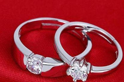 结婚钻戒戴在哪个手指