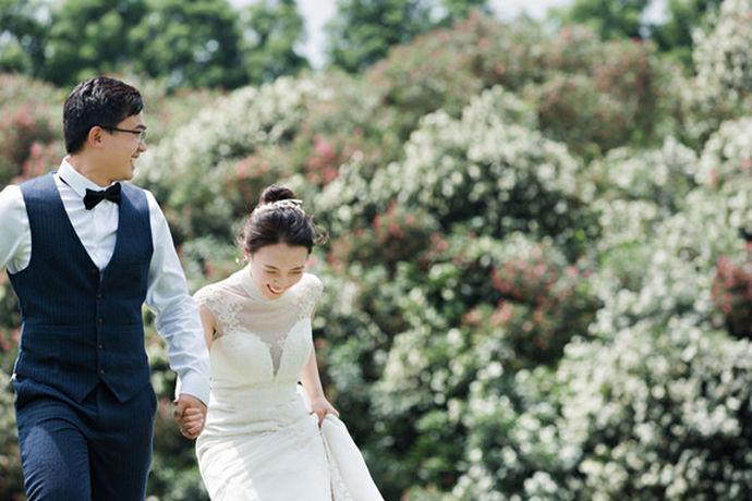 婚后第五年,刚好度过了夫妻两人的磨合期,此时夫妻关系趋于稳定,这个时候的感情已比较坚固,那么,现在中国婚博会小编将告诉给大家说说五年是什么婚?