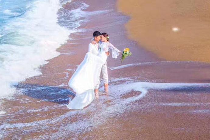 很多人选择结婚的日期都会非常的谨慎,因为这是关乎他们一生的大事。在心中预想了一个结婚的日子以后,就会担心这天是否适合结婚。相信会有新人选择在2019年8月29日这天吧,那么,让我们一起看看2019年8月29日结婚好吗?