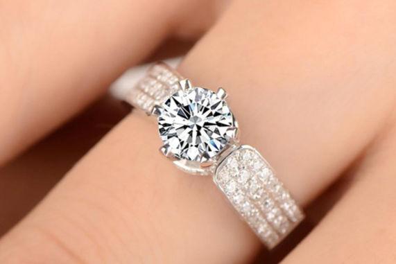 各手指戴戒指的含义