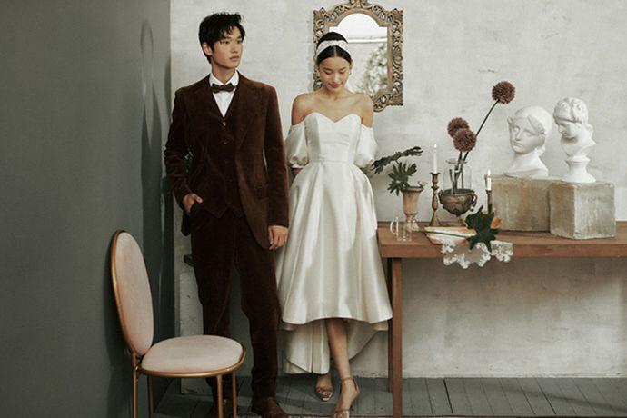 现在的婚纱照有很多种风格,新人有时会厌倦西方婚纱照。今天,中国婚博会小编会带你去看婚纱摄影中比较时尚和另类的婚纱照有哪些?希望准新婚夫妇能探索出最适合自己的婚纱照哦!