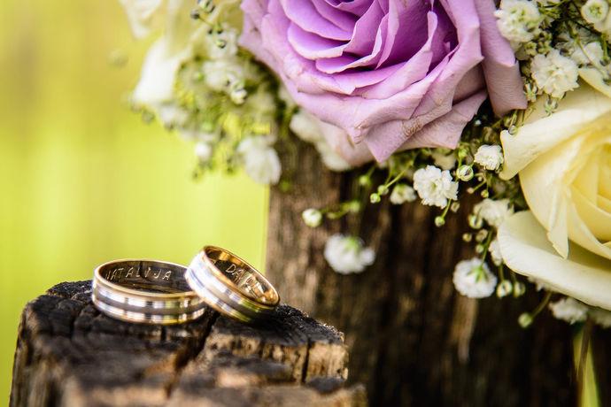 婚礼细节固然重要,但是身为普通人的我们也不要担心找不到如此专业的团队为自己的婚礼保驾护航,但知道结婚清单可以有场完美婚礼!