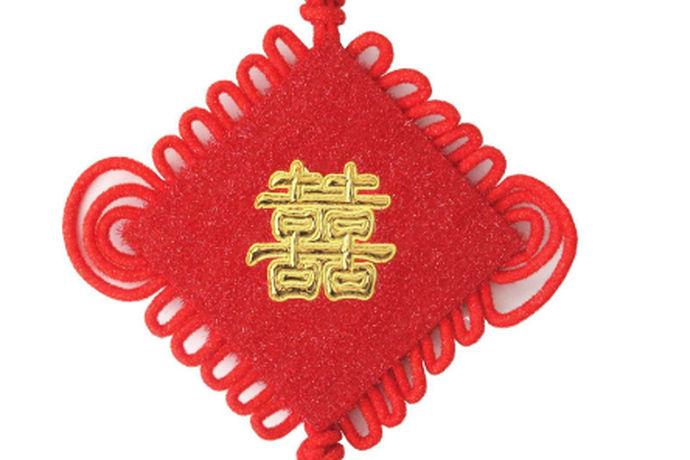 近年来,因为各种原因,很多人早早地就选择了结婚或者办理结婚证,但是在办理结婚证的时候都会去查询一下中国的法定结婚年龄,那么中国的法定结婚年龄是多少?又是如何确定中国的法定结婚年龄的呢?