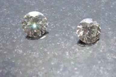 莫桑钻石和钻石的区别