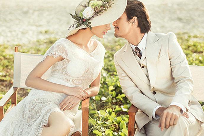 随着婚纱摄影行业的繁荣,现在婚纱摄影的价格也越来越高,很多新人都有点摄影技术,想自己拍,那么婚照如何自己拍呢?
