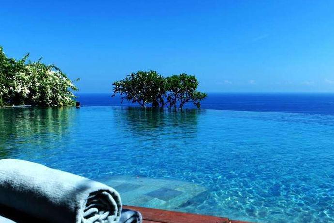现在越来越多新人情侣选择去巴厘岛蜜月游,不仅是被巴厘岛的风景吸引也是被当地的文化吸引,那么就有很多人疑惑了,去巴厘岛蜜月游价格多少钱呢?
