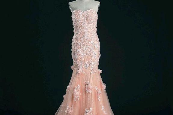 香槟色婚纱代表二婚吗