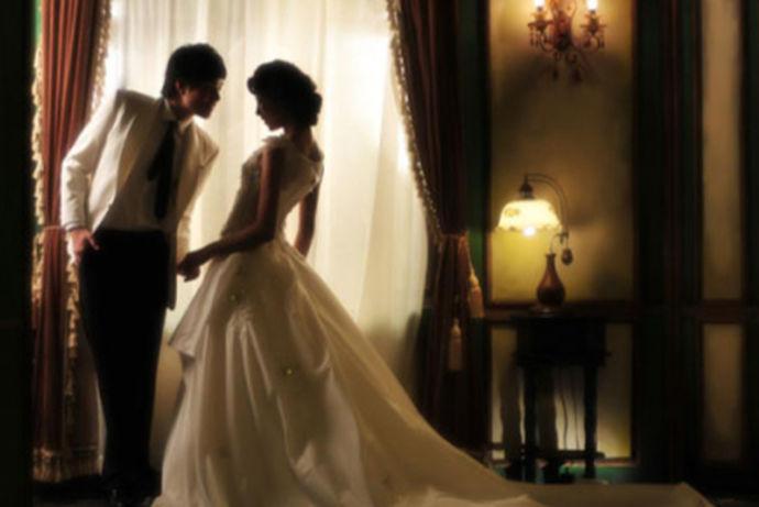 结婚是人生大事,也是一件幸福的是,但是同时也是一件繁琐的事,婚前需要做好各种准备,包括婚礼在哪里举行,双方亲戚怎么请,婚纱照怎么拍,婚礼流程怎么做,婚房怎么设计装修等等,这么多的事情需要双方亲力亲为,结婚后还要走一下亲戚,回请一下同事等等,都需要大量的时间。