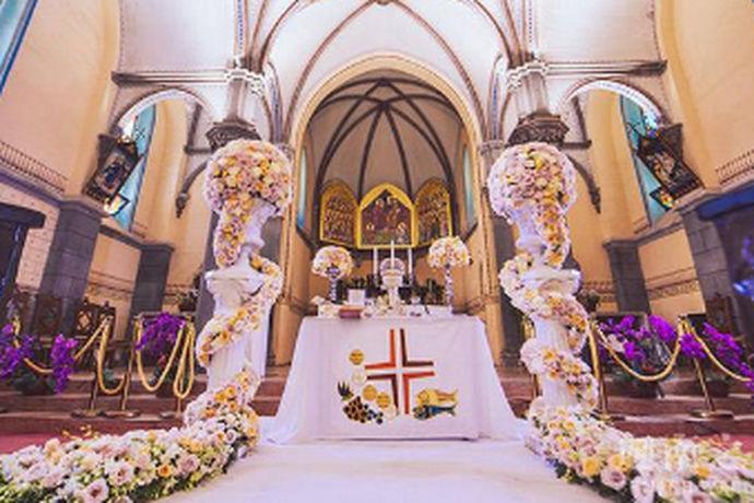 现在的婚礼现场上,音乐已经是不可缺少的一部分。例如新娘进场会伴随着婚礼进行曲,缓缓的走向新郎,真的是仪式感十足啊。那适合在婚礼上的歌曲有哪些呢?