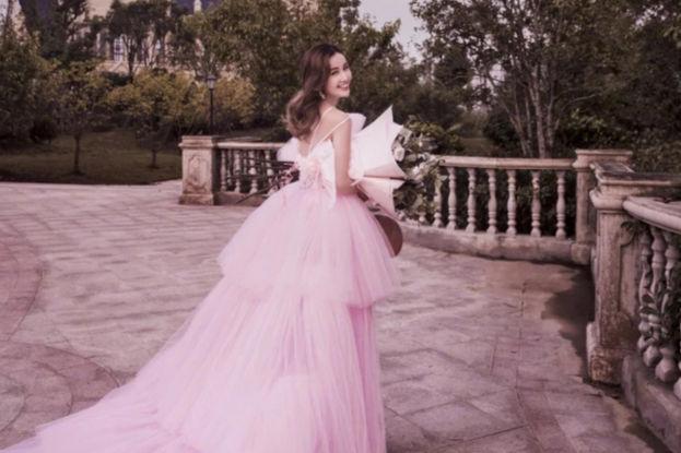 粉色婚纱代表什么