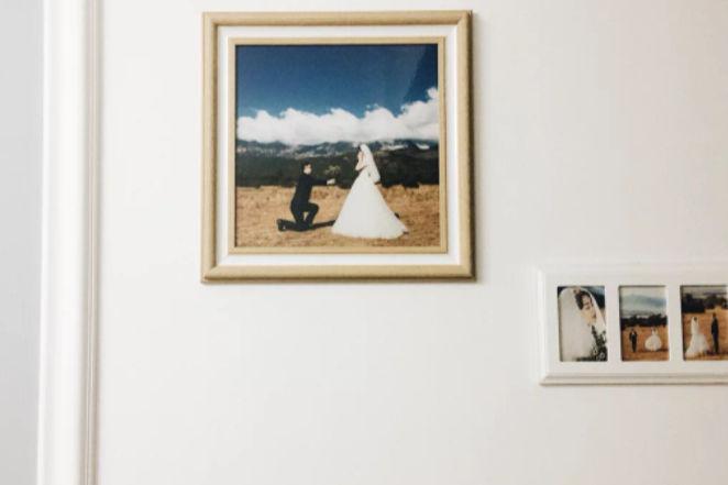 婚纱照挂墙上图片大全_墙上挂衣架图片大全