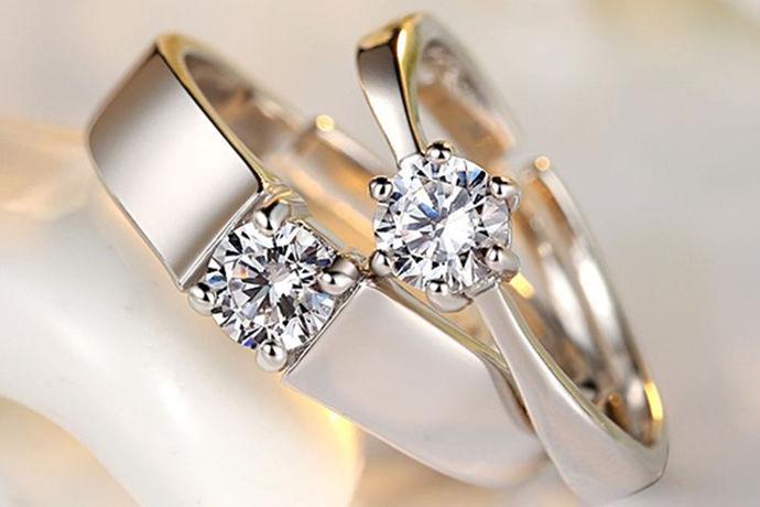 结婚这件大事当然少不了结婚戒指吧,选择一个什么样的结婚戒指也是很重要的,很多人都不知道该选择什么样的戒指,大家可能都听说过钻石小鸟这个牌子,所以钻石小鸟的钻石怎么样啊?