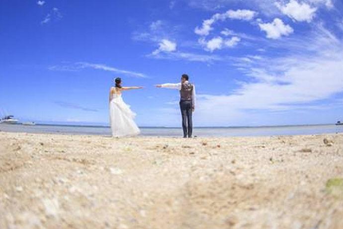 结婚是人生大事,婚前的一切事情都是很重要的。因此新人们都在精打细算着婚前的开销,那么拍结婚照要多少钱呢?下面跟随小编一起看看吧。