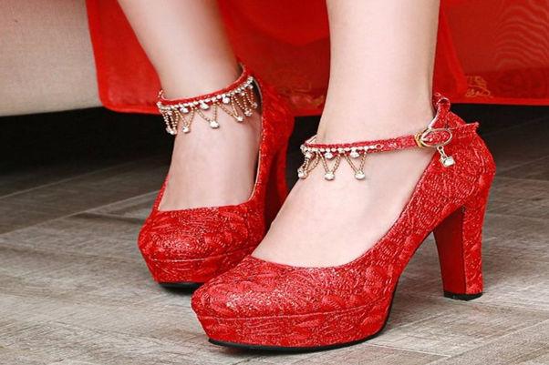 结婚鞋子藏哪里
