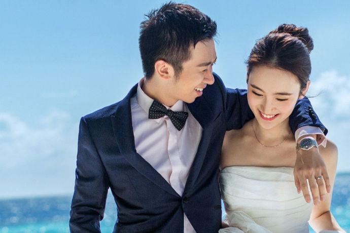 婚纱摄影不仅影响婚礼当天婚纱照的美观与否,并且与以后的婚礼回忆也有很大关联,新人们都会选择一个自己中意的婚纱摄影店,所以婚纱摄影一直是新人比较在意的地方。因此很多人在意唯一视觉摄影怎么样呢?今天就让我们来好好了解一下唯一视觉摄影店吧!