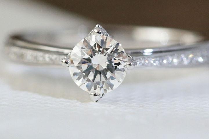 结婚戒指什么时候买