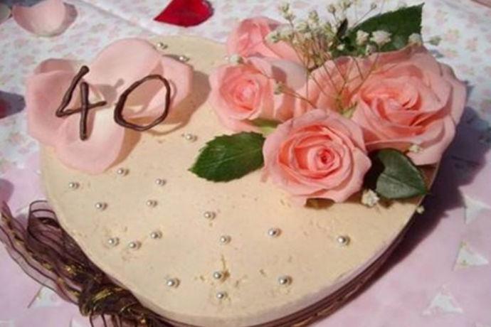 结婚以后的两个人,难免有时候会忘了节日的仪式感,但是有个节日在夫妻之间是不能望的,那就是结婚纪念日,很多时候,因为疏忽,因为矛盾,导致情侣之间的结婚纪念日并不愉快,那么,结婚纪念日失望的说说有哪些呢?