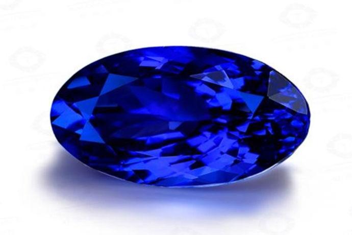 虽然大家对于钻石都是比较熟悉的,不过可能对于坦桑石就不是很了解。很多人在购买钻石时都会考虑坦桑钻石和钻石的区别。那么坦桑钻石和钻石差别有哪些呢?大家关心的应该是硬度,色泽还是价格,那么究竟是坦桑钻石好还是钻石好?