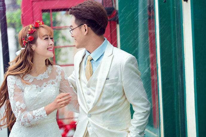 众所周知,结婚照是婚姻的重要组成部分。但现在婚礼照片的位置是一样的。每个人都需要拍的结婚照。所以,世界是那么大,拍结婚照去哪好?拍婚纱照最好的方法是什么?现在小编会介绍一些拍摄婚礼照片的地方。