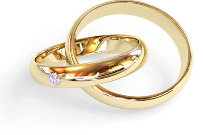 戒指多大合适?戒指虽然美丽,但是买到一枚尺寸恰好合适的戒指却不那么容易,或许很多人拥有不止一枚戒指,可依旧有不少人不知道自己的戒指尺寸,以至于戴在手上的戒指尺寸并不是那么合适。怎样才能买到尺寸合适的戒指呢?不同人的戒指尺寸会有不同,下面来学习怎样选择尺寸合适的戒指吧!