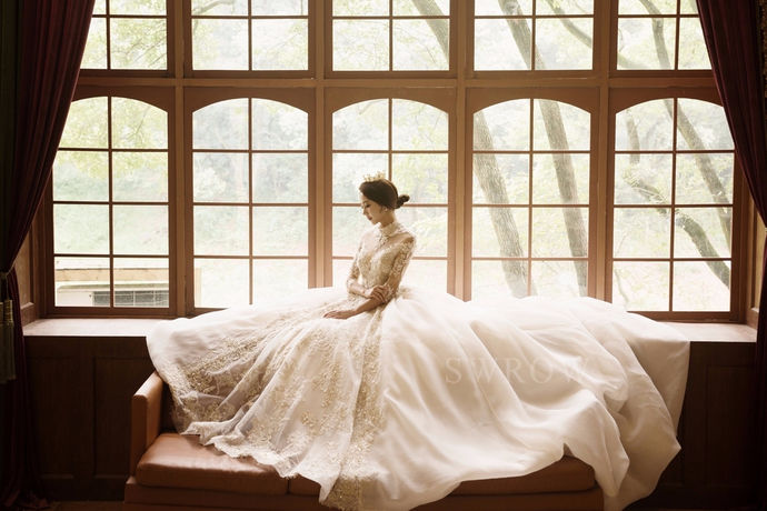 现如今婚纱摄影市场的开发也越来越向高品质趋近,市场上也出现了许多品质高服务好的商家。施华洛婚纱摄影机构就是其中之一,那么施华洛婚纱摄影到底怎么样呢?下面跟着中国婚博会小编一起来看看吧。