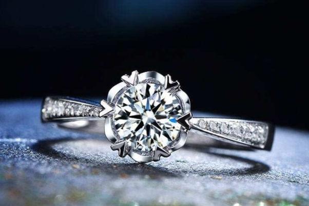 结婚为什么要戴钻戒
