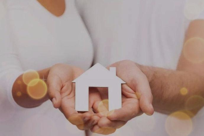 结婚后,夫妻长期共同生活,工作必然会因此产生夫妻共同财产,夫妻在婚姻关系存续期间所得的财产归复其共同所有,双方另有约定的除外夫妻对共同所有的财产有平等处理权,那么夫妻共同财产包括哪些呢?