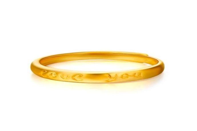 不管什么材质的戒指都有统一标准的戒指尺寸。一般戒指的尺寸是多少?国内一般戒指的尺寸大多是使用港码,港码有7-24个号,一般女生戒指尺寸是7-15号,男生戒指尺寸是16-24号,当然还是看每个人具体的手指尺寸,今天就来告诉大家戒指16号是多少厘米